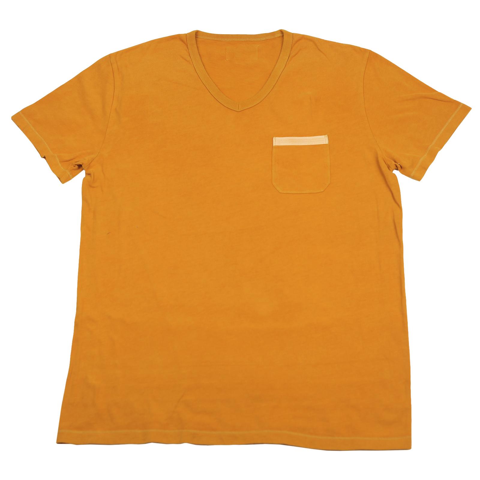 Мужская футболка оранжевого цвета с карманом
