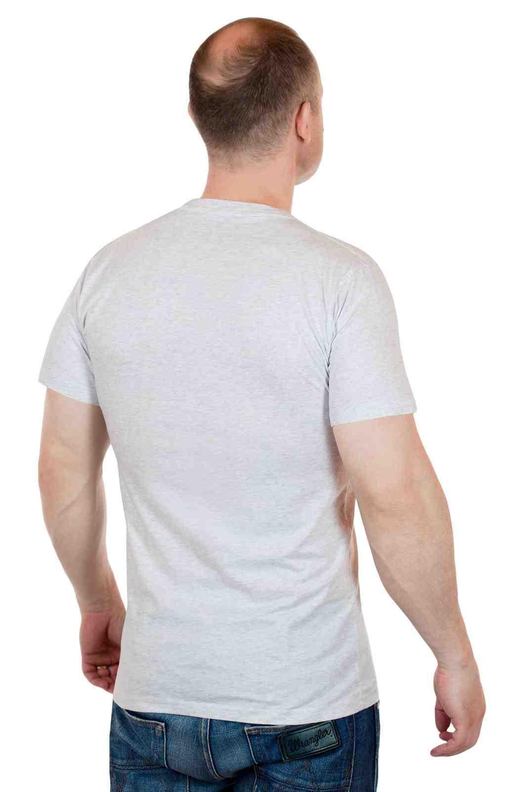 Мужская футболка от Academy - американский тренд-сзади