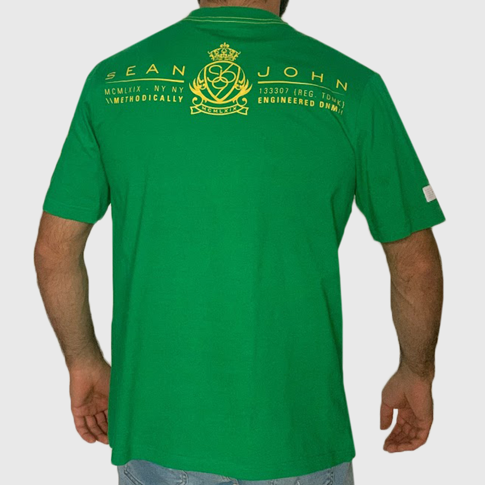 Недорогие футболки для парней и мужчин от бренда Sean John