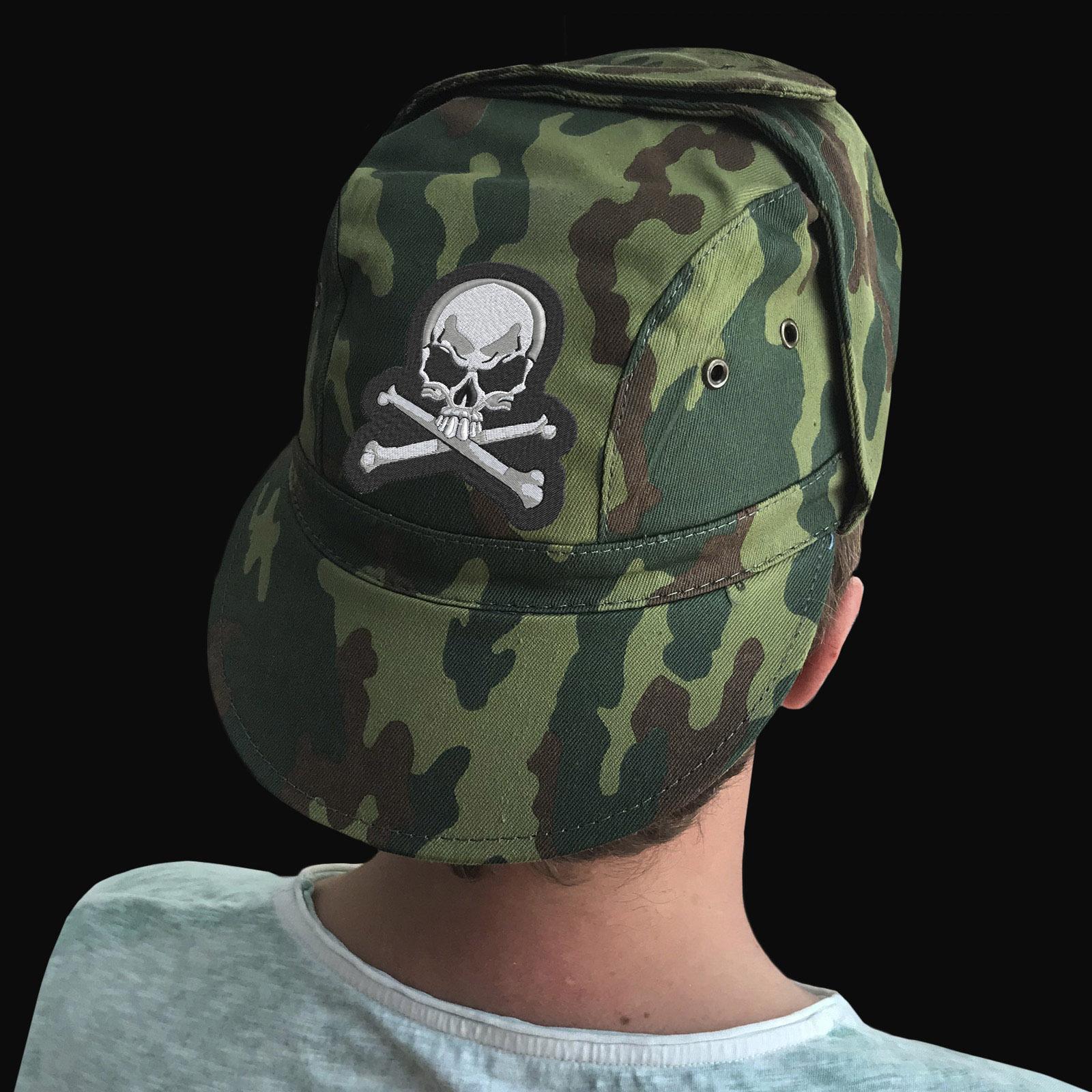 Мужская камуфляжная кепка с Адамовой Головой