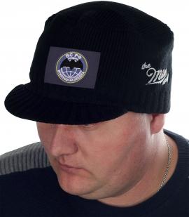 Вязаная мужская кепка Miller Way с нашивкой «ВС РФ – Военная разведка». В меру брутальный, элегантный милитари фасон для холодной погоды. Тебе понравится выглядеть стильно!