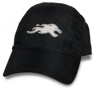 Мужская кепка с логотипом.