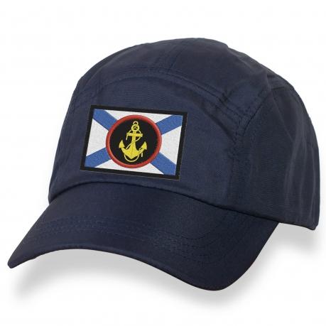 Мужская кепка с символикой ВМФ.