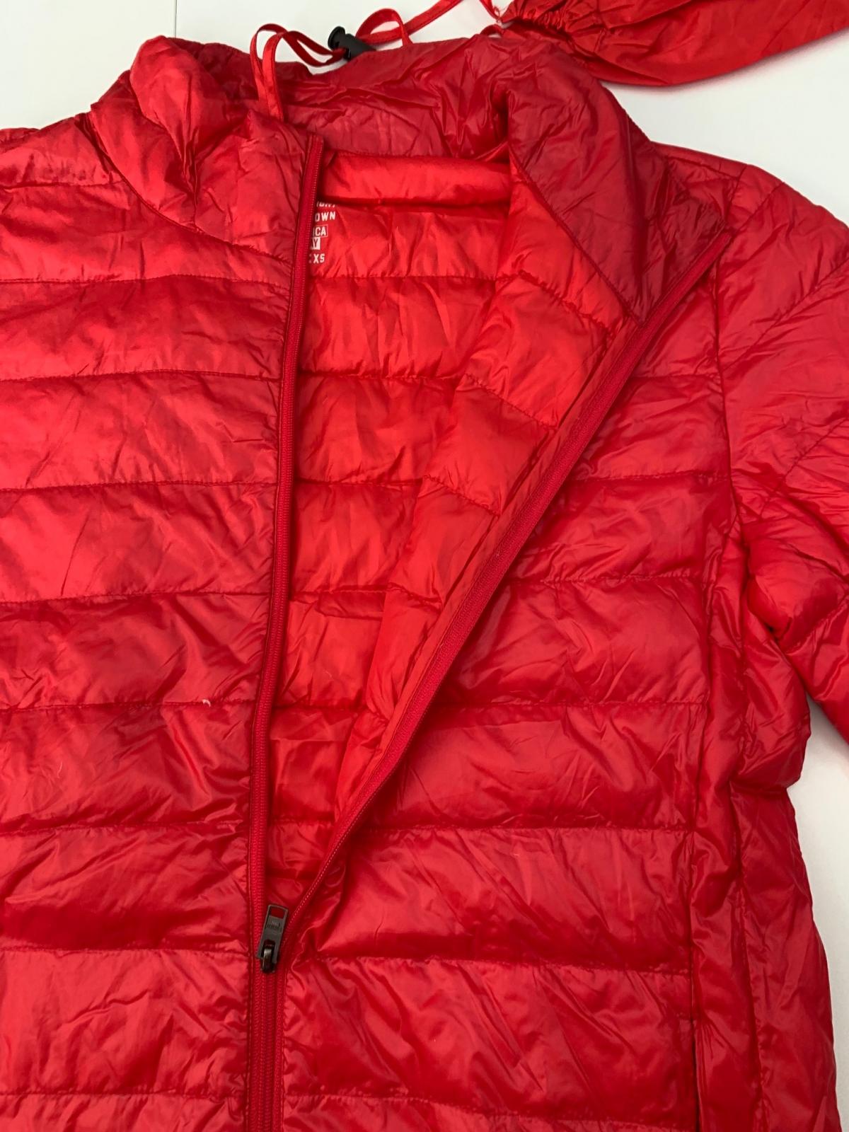 Мужская красная куртка от бренда AMERICA TODAY