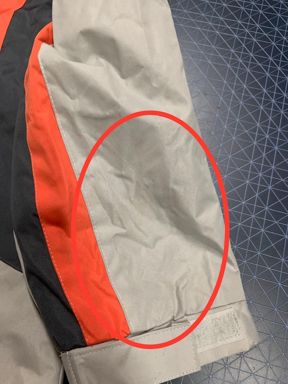Мужская куртка Atlas for MEN светлого оттенка с контрастными вставками