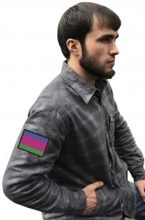 Мужская серая рубашка с вышитым шевроном Войска Кубанского - купить оптом