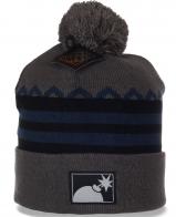 Мужская шапка с помпоном - удобный головной убор, в котором тепло в любую погоду