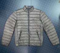 Мужская стильная куртка серого цвета