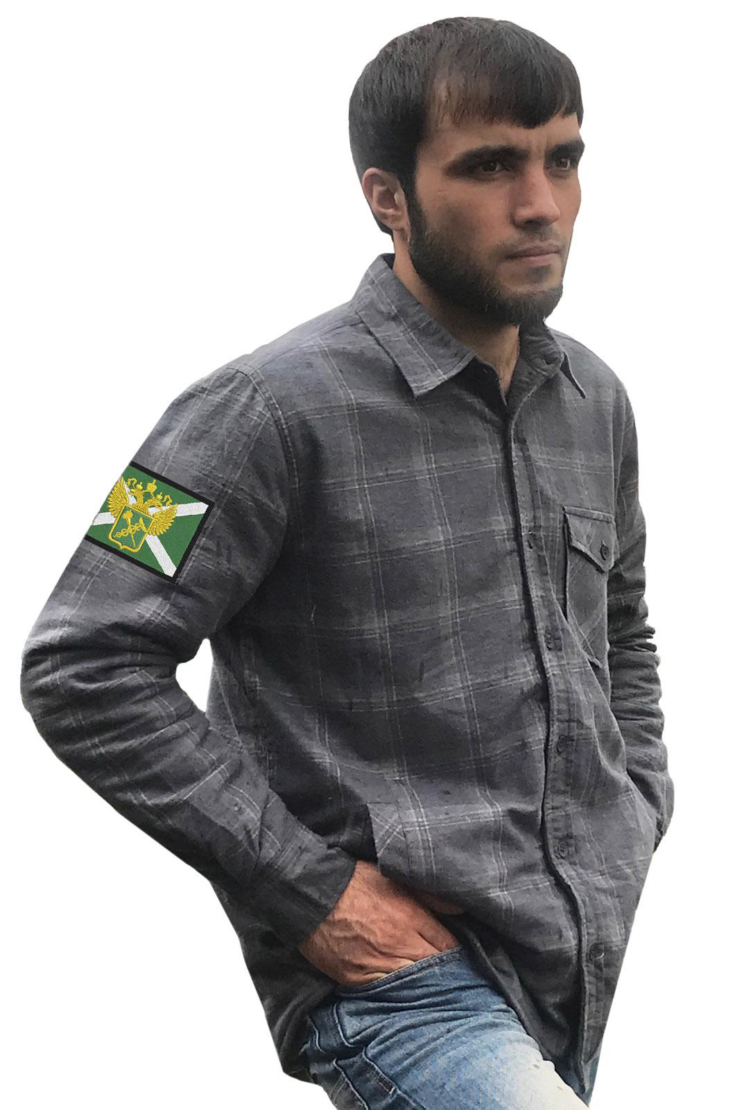 Мужская теплая рубашка с вышитым шевроном Таможни России