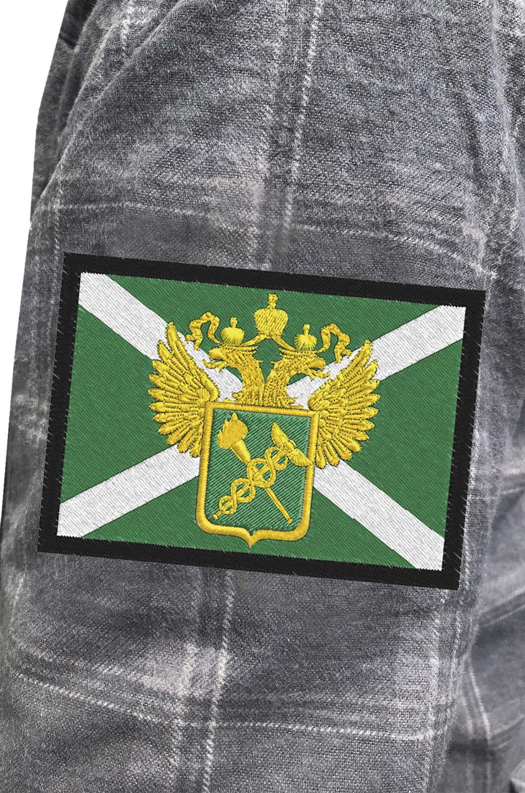 Мужская теплая рубашка с вышитым шевроном Таможни России - купить в Военпро