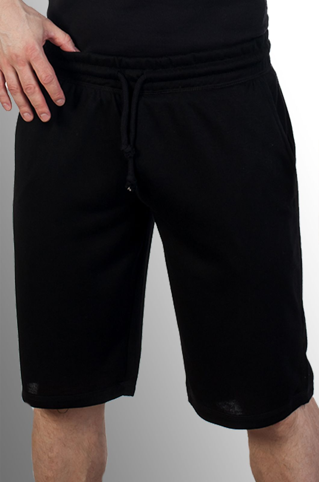 Купить мужские черные шорты