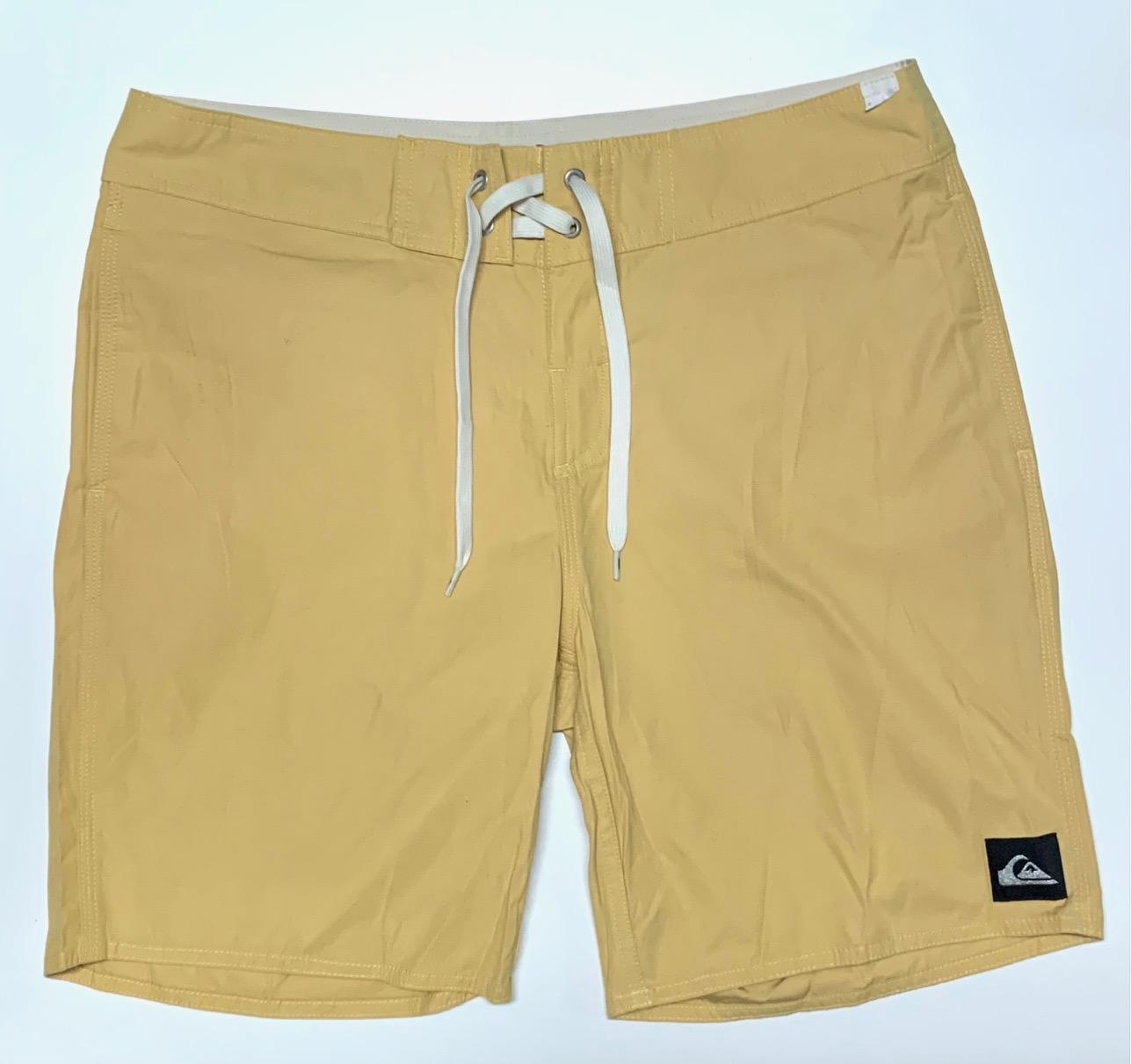 Мужские летние шорты песочного оттенка