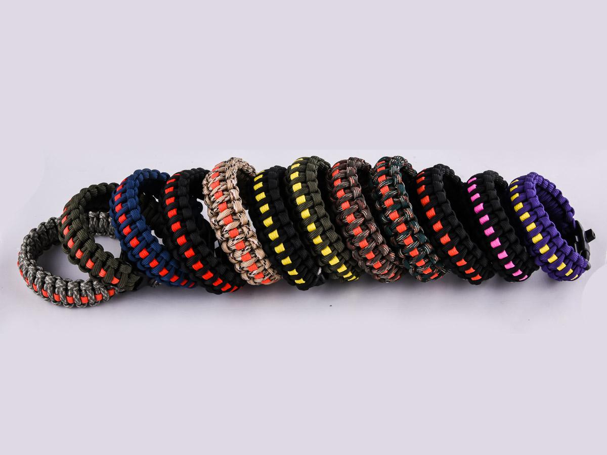 Мужской браслет на запястье - разнообразные цвета