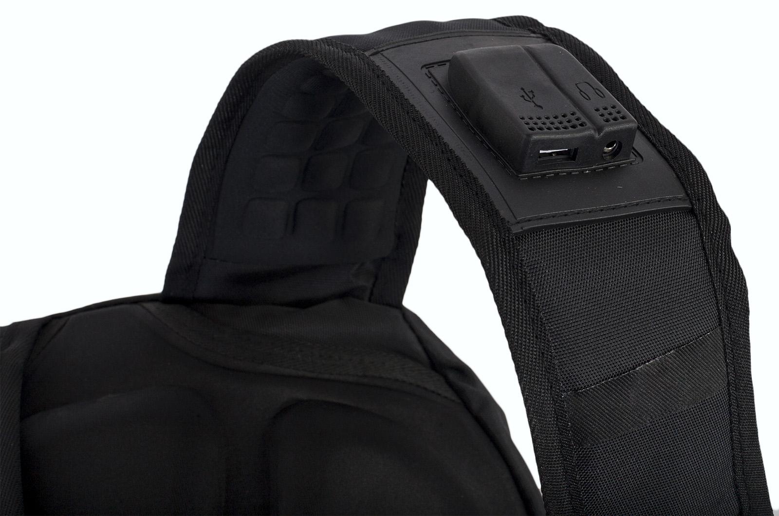 Мужской черный рюкзак для города с нашивкой РХБЗ купить онлайн