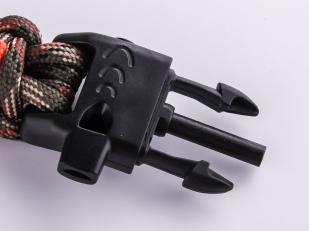 Мужской плетёный браслет со свистком