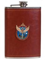 Надежная фляга в кожаной оплетке с накладкой Ветеран боевых действий