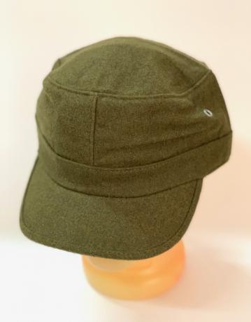 Надежная кепка-немка цвета хаки