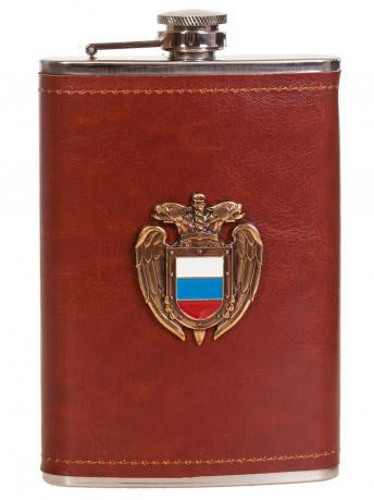 Надежная мужская фляга в кожаной оплетке  с накладкой ФСО