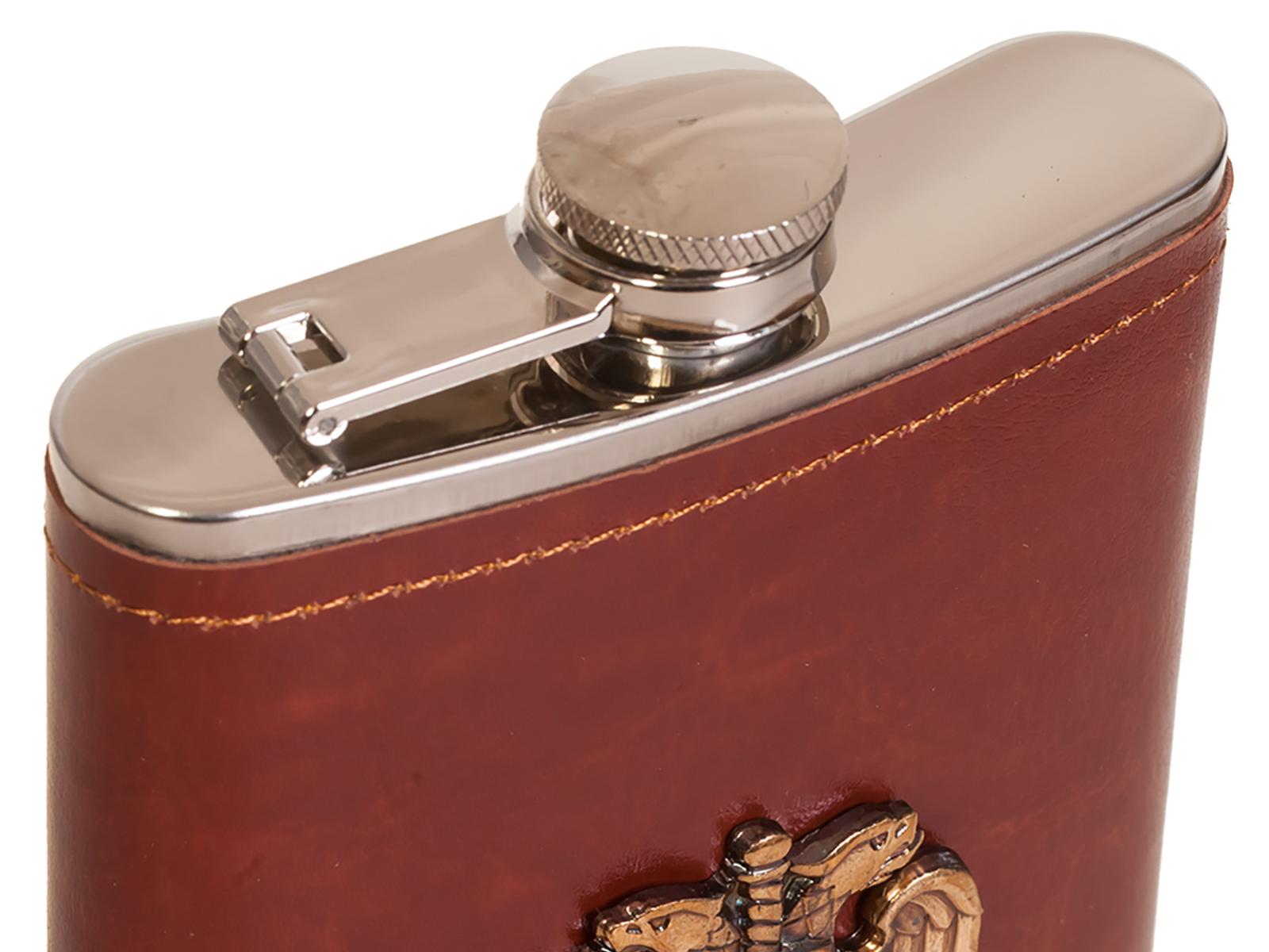 Надежная мужская фляга в кожаной оплетке  с накладкой ФСО - купить по низкой цене