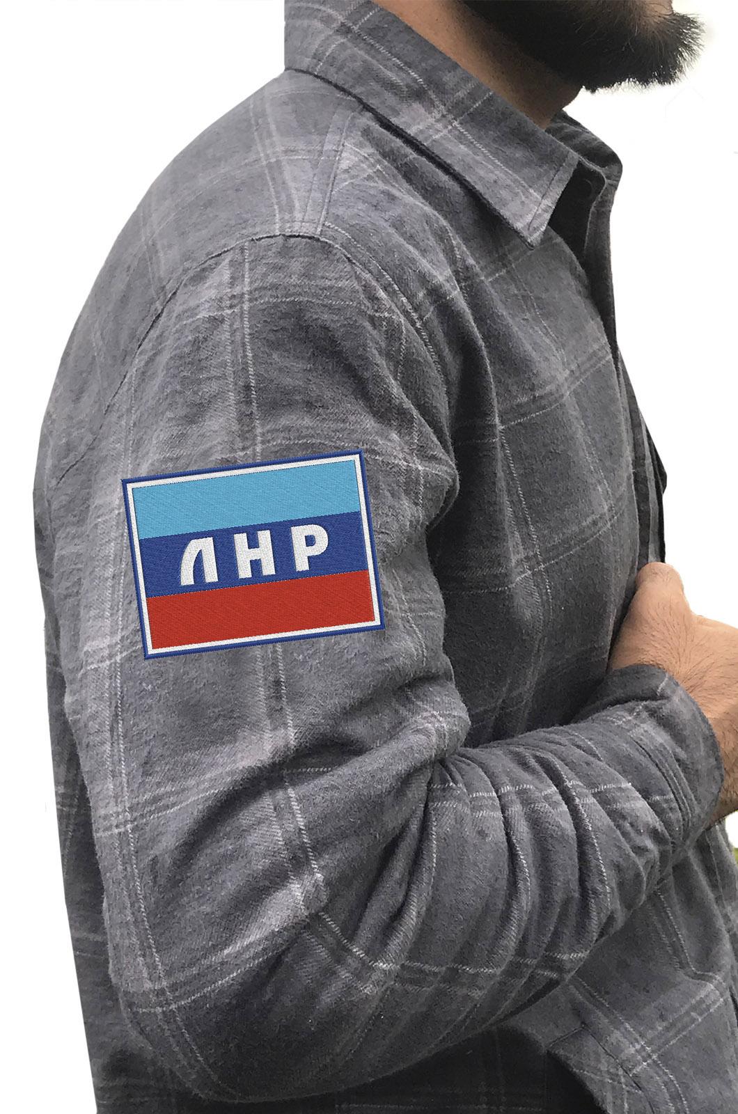 Надежная рубашка с вышитым шевроном ЛНР - купить по лучшей цене
