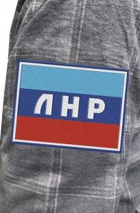 Надежная рубашка с вышитым шевроном ЛНР - купить онлайн