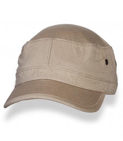 Надежная светлая кепка-немка