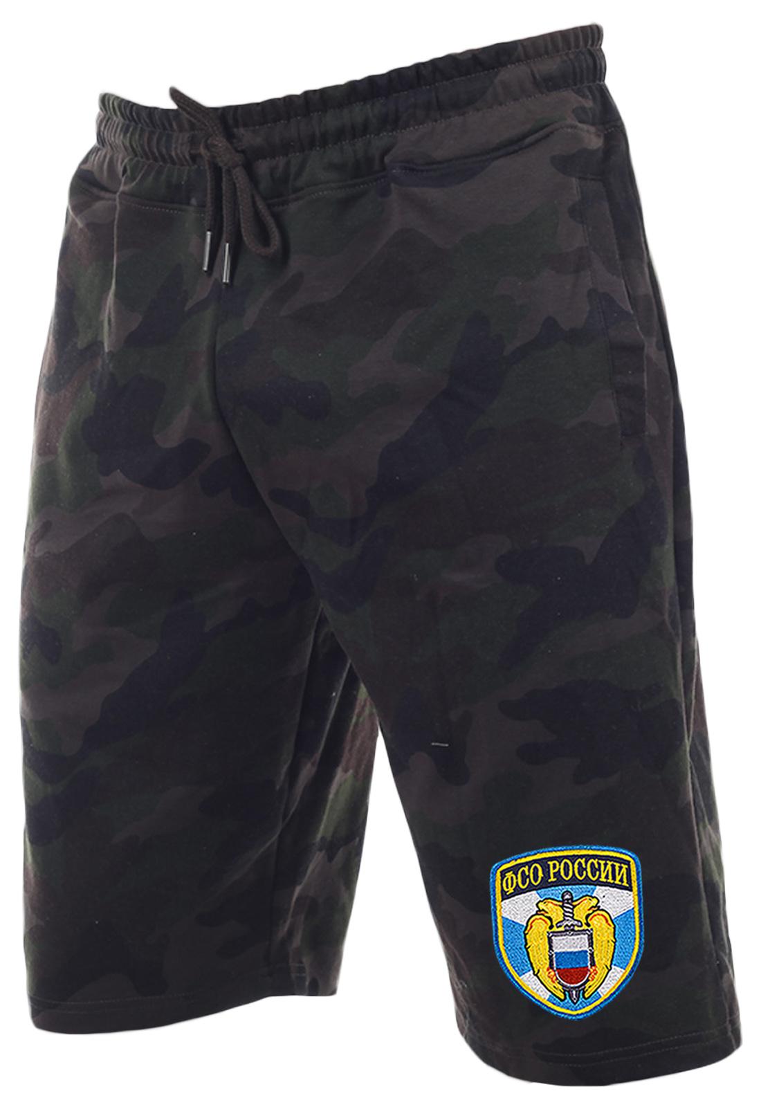 Надежные камуфляжные шорты с нашивкой ФСО
