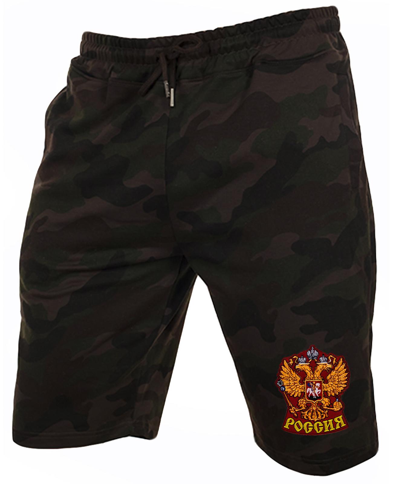 Надежные мужские шорты с нашивкой Россия
