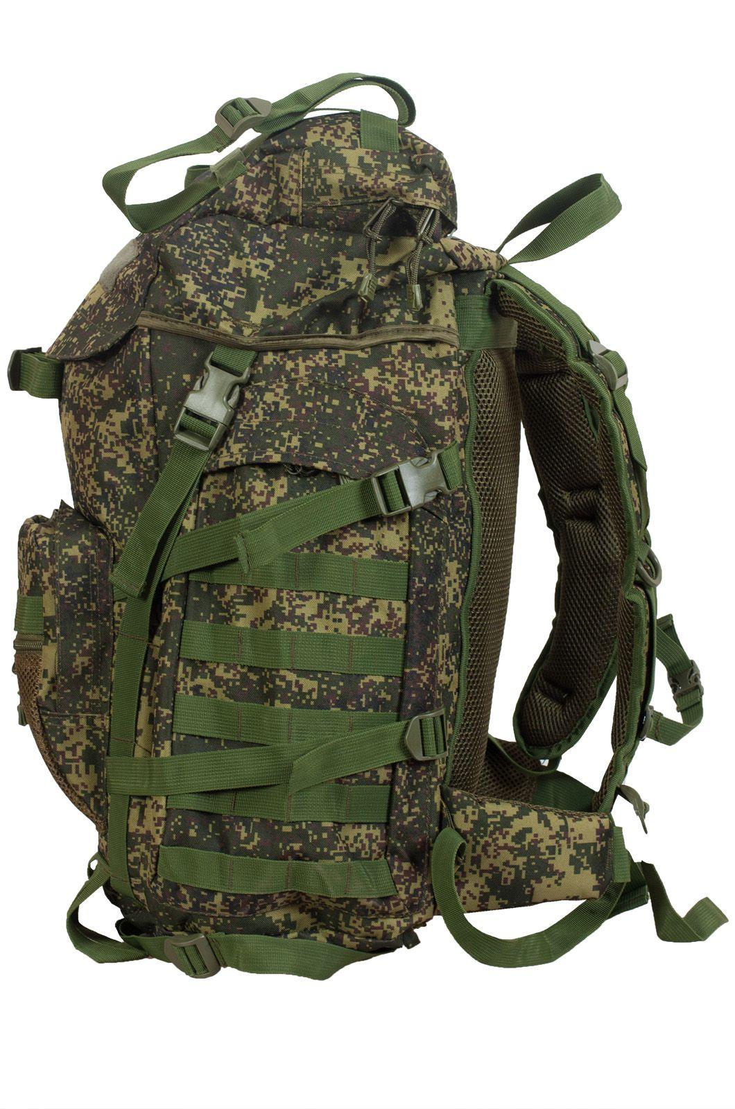 Надежный камуфлированный рюкзак с нашивкой НИ ПУХА, НИ ПЕРА! - купить с доставкой