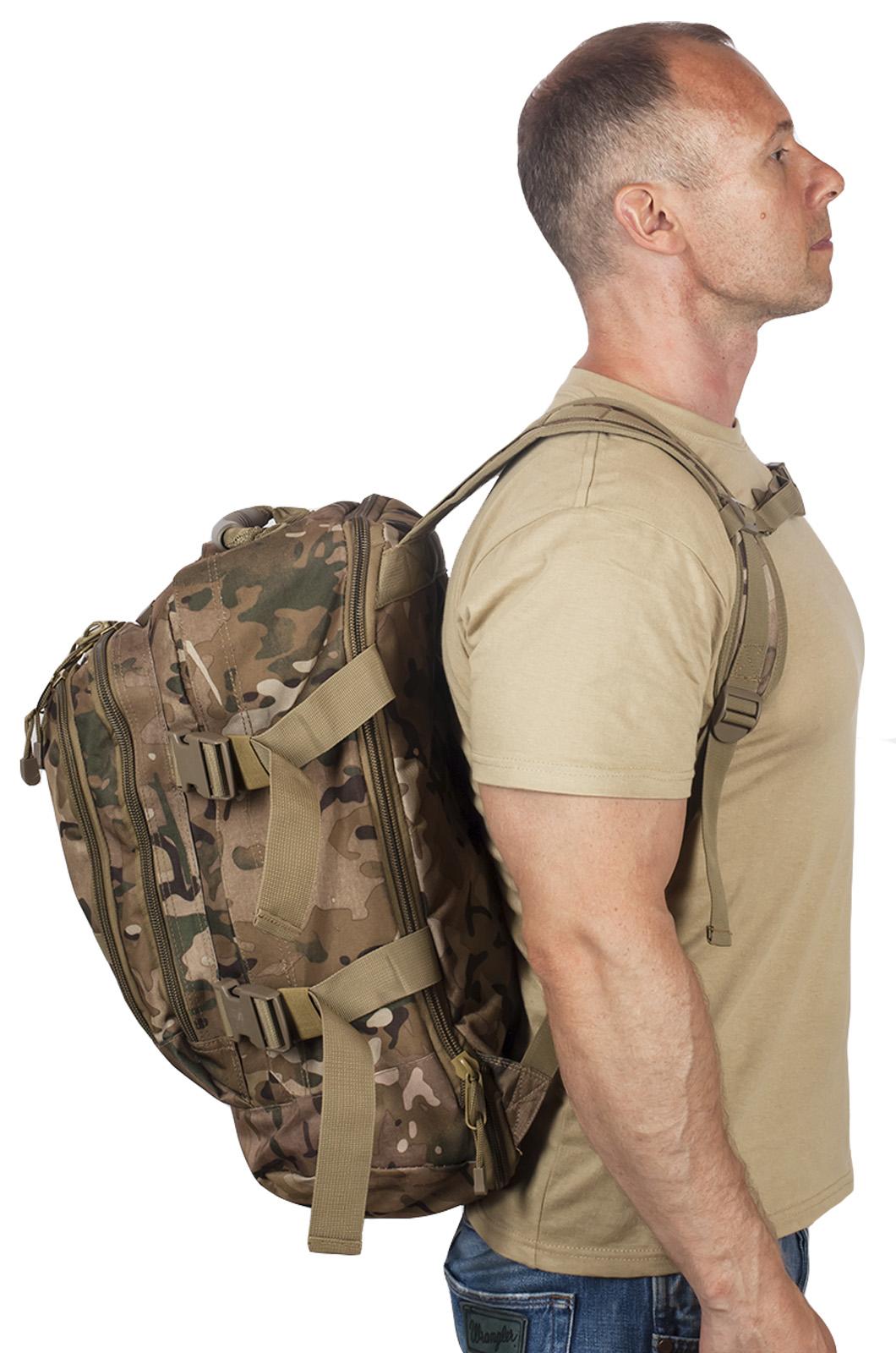 Надежный рейдовый рюкзак с нашивкой Русская Охота - заказать оптом