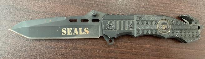 Надежный складной нож Seals со стеклобоем