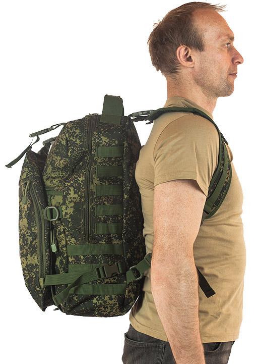 Надежный вместительный рюкзак с нашивкой Русская Охота - купить выгодно