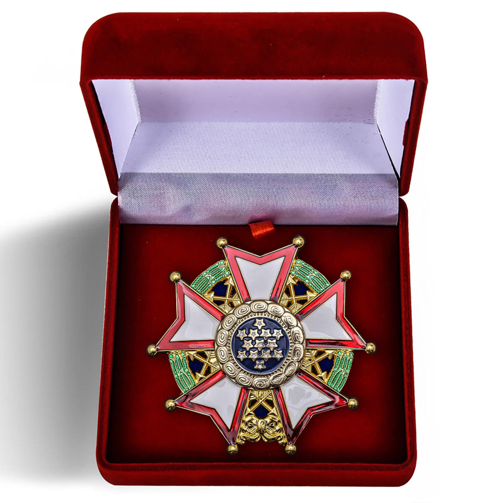 Нагрудный орден Легион почета США 1-й степени - в футляре