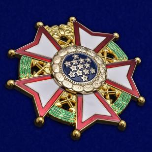 Нагрудный орден Легион почета США 1-й степени - общий вид