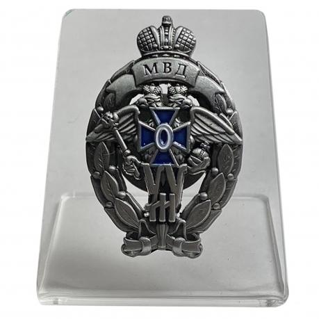 Нагрудный знак Лучший участковый уполномоченный полиции на подставке