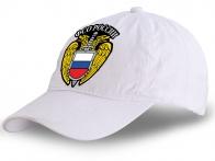 Нарядная белая бейсболка с символикой ФСО России.