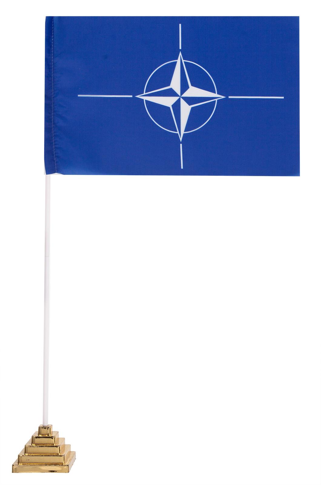 Настольный флаг НАТО