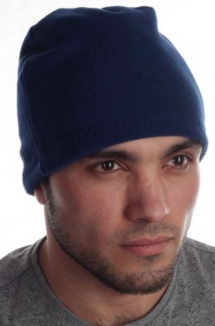 Неприхотливая флисовая мужская шапка ценителям активного образа жизни