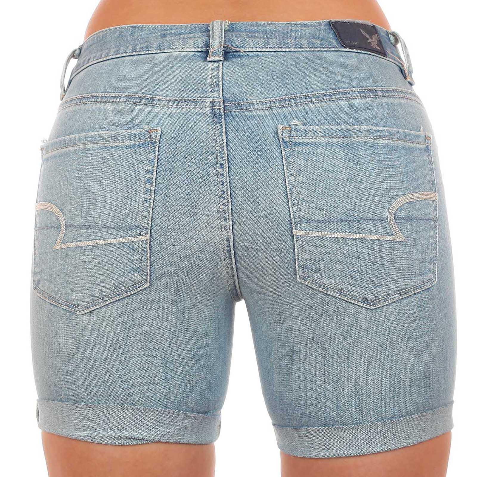 Нежно-голубые шорты American Eagle™ из люксовой джинсовой ткани. Хитрая длина сделает твои пропорции идеальными