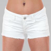 Обрезанные джинсовые шорты. Крутой эффект «Hand Made» от дизайнеров American Eagle. Лето в разгаре, а ты ещё в джинсах?!