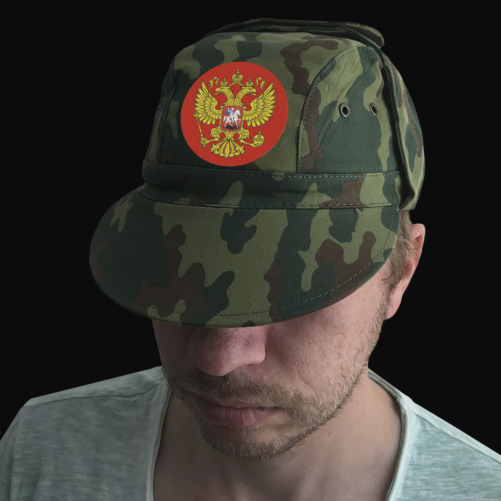 Общеармейская кепка с гербом России