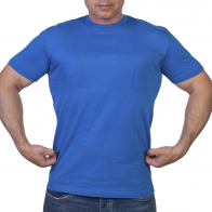 Однотонная футболка василькового цвета