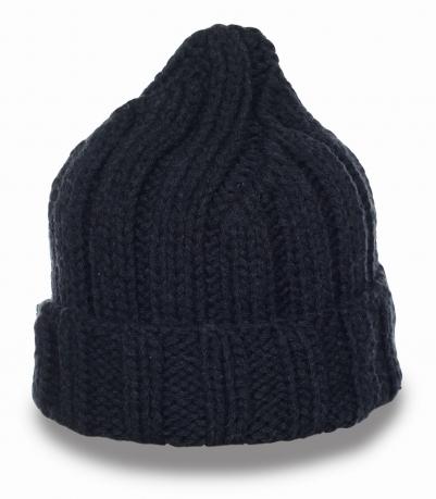 Однотонная практичная шапка на каждый день. Теплая модель, в которой никакой холод и ветер не страшен