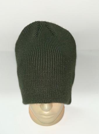 Оливковая шапка молодежного кроя