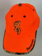 Оранжевая бейсболка Browning с камуфляжной каймой на козырьке и вокруг вышивки