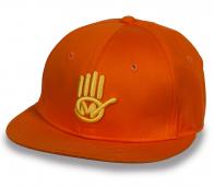 Оранжевая бейсболка с прямым козырьком