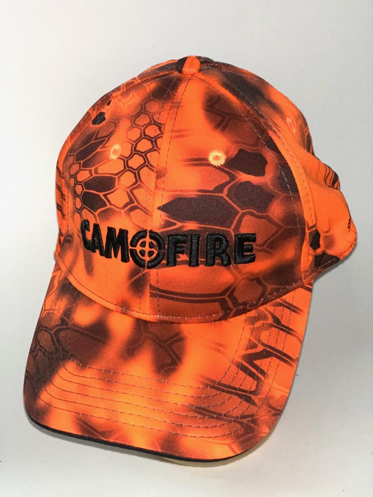 Оранжевая камуфляжная бейсболка Camofire