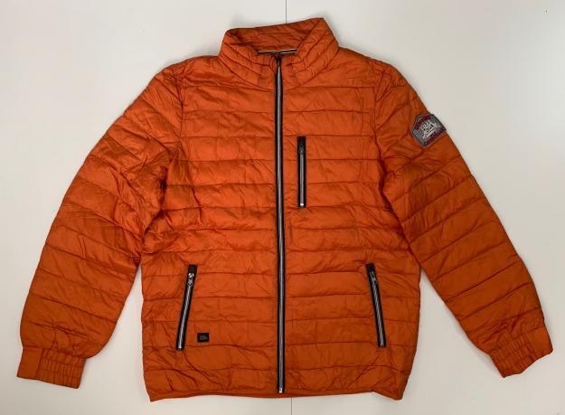 Оранжевая мужская куртка от Caterpillay