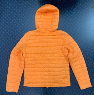 Оранжевая женская куртка
