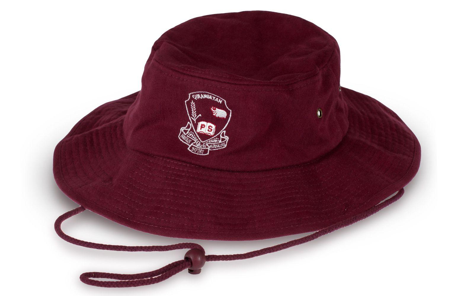 Оригинальнаяшляпа с вышивкой
